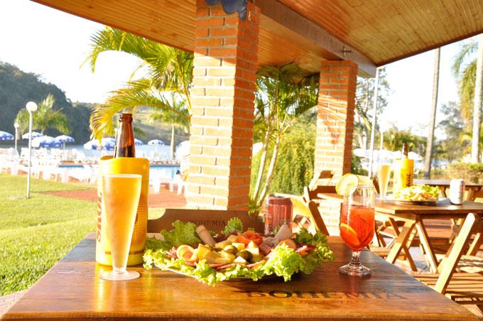 Gastronomia - Bar da Piscina Hotel Península